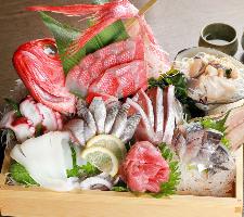 神奈川で獲れた地魚盛り合わせ