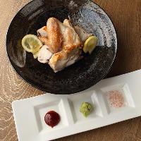 錦爽鶏の炭火焼は半身がおすすめ!じっくり漬けた味わいは絶品!