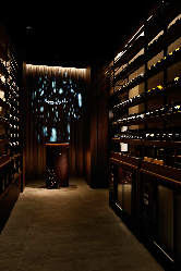 豊富な種類のボトルワイン、シャンパンは通だって大満足です!