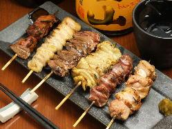 自慢の地鶏を使った焼き鳥が美味です! 地鶏料理は絶品です!