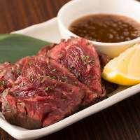肉料理もおすすめ! ボリュームのあるお肉をお楽しみください!