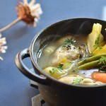 焼き牡蠣と冬野菜、ニョッキのポトフ 1,300円(税込)