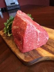 「シンプルを極める」をモットーに作り上げる特上常陸牛ランプステーキ