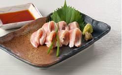大分といえば鶏!おおいた冠地鶏のたたき680円(税込)
