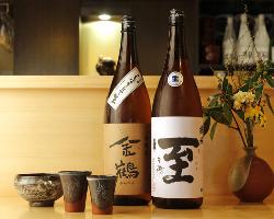 日本酒も佐渡の有名酒蔵のものを選択。料理との相性も抜群。
