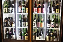 約70種類の日本酒が2H飲み放題付きのコース4,000円(税別)から