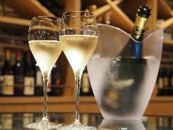 乾杯はスパークリングワインで♪
