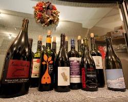 毎日変わるおすすめのワインをご用意しております。