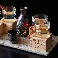 京都を中心とした選りすぐりの日本酒を取り揃え。