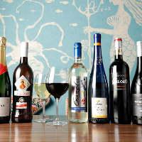 《ワイン》 当店のスペイン料理と相性抜群の銘柄を取り揃え。