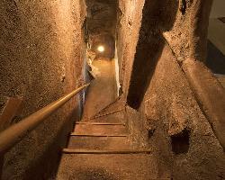 【隠れ家空間】 まるで洞窟の奥へ導かれるようなワクワク空間