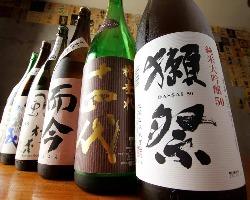 全国から厳選した日本酒が自慢!焼酎も常備20種以上