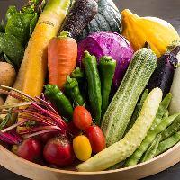 野菜は地元の農家から買います。