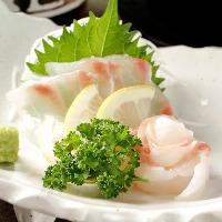 新鮮な魚介類も味わえるのが山長が多くのお客様に愛される秘訣