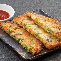 おつまみや韓国料理など豊富なラインナップ