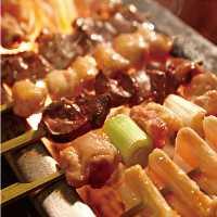 「伊達鶏」「日南鶏」などの国産鶏を中心とした鶏肉を使用。
