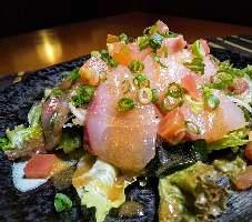 鮮魚のお刺身サラダなど、和風のおつまみも多数ご用意♪