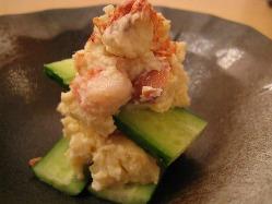凝縮された旨味を味わう「海老味噌ポテトサラダ」550円(税込)