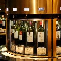 常時32種類のワインをグラスでご提供しております。