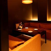 大人の隠れ家空間で落ち着いてワインをお楽しみいただけます。