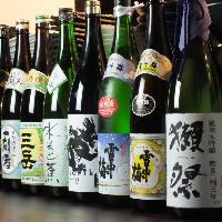 獺祭をはじめ豊富な種類の焼酎、日本酒を取り揃えております。
