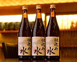 当店のお水は徳島県産の日本酒の仕込み水を使用しております。