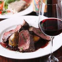 食材選びからこだわるシェフ自慢の料理はワインと相性◎