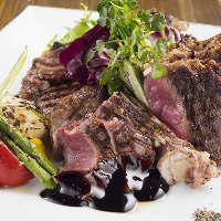 人気のアンガス牛肩ロースステーキで肉の旨味をご堪能下さい☆