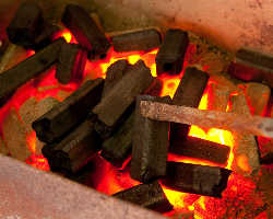 [本格炭火焼肉] 炭火焼肉を気軽に楽しめる!本格BBQ