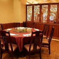 1階の落ち着いたレストラン席には最大20名様まで収容可能