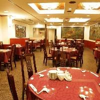 2階の素敵なレストラン席にはおちついた雰囲気でお食事も