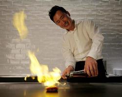 シェフ溝手隆正が、豪快に繊細に、旬の素材を焼き上げます!