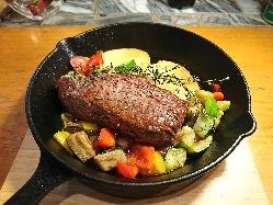 お肉好きに大人気のブラックアンガス牛のミスジを200g!