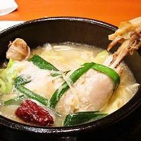 しっかりダシが効いた濃厚スープを各種取り揃え。