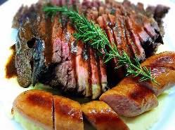 ローストビーフと木更津の恵みポークのフランクの肉盛!