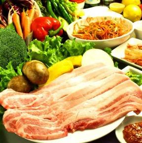焼肉・サムギョプサル専門店 豚ママ 関内店の画像