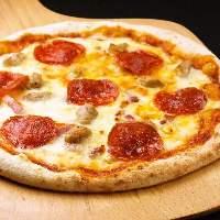 ミックスピザ!スタンダードにして王道のミックスピザです。
