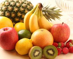 その日仕入れた新鮮なフルーツで作るタルトは美味♪