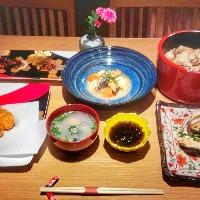 御膳やコースで、牡蠣の旨みを存分にお楽しみください。