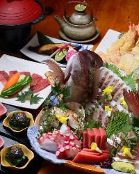 築地直送魚を生簀に。いつでも鮮魚が味わえます!