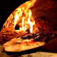 手作りピッツァは絶品!18種ございます!