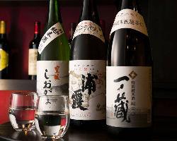宮城の酒蔵より厳選した日本酒を取り揃えております