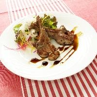 「仔牛のグリル」など、本格的なフランス料理もご用意。