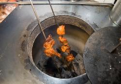 インド人シェフが作る本場のお料理を、ぜひお楽しみください♪