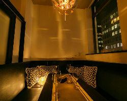 1日1組限定のソファー個室が人気!!大人の雰囲気で楽しむ宴会♪