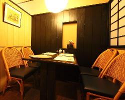 モダンな少人数個室、和の掘りごたつ個室などお部屋タイプは様々