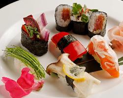 カラフルで個性豊かな鎌倉野菜を使ったメニューは女性に人気です