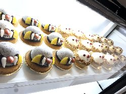 オリジナルことりケーキはとっても可愛らしくて大人気!