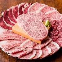 ボリューム満点、お皿いっぱいのお肉です♪