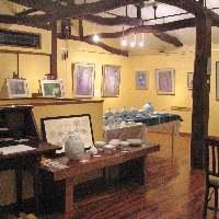 2階では、ギャラリーとして不定期に各種展示をしております。